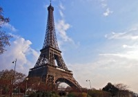 Romantic-Getaway-to-Paris